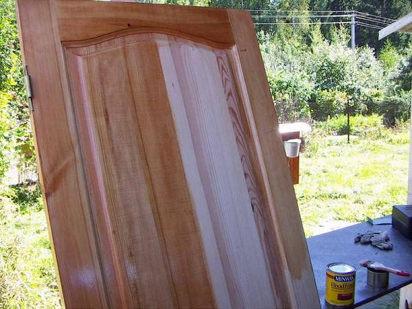 Чем покрасить дверь из МДФ: инструменты, оборудование в фото