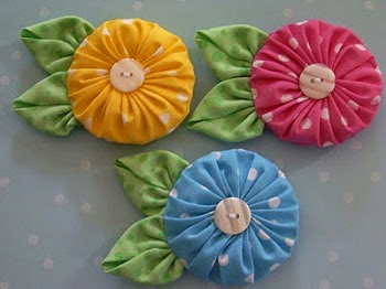 Цветы йо-йо из ткани своими руками для интерьера в фото