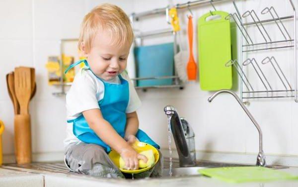 Для мытья посуды тоже есть правила в фото