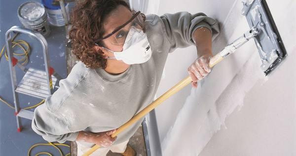 Как избавиться от запаха краски после покраски в квартире в фото
