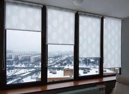 Как выбрать рулонные шторы на пластиковые окна в фото