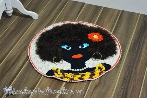 Круглый коврик «Африканка» крючком в фото