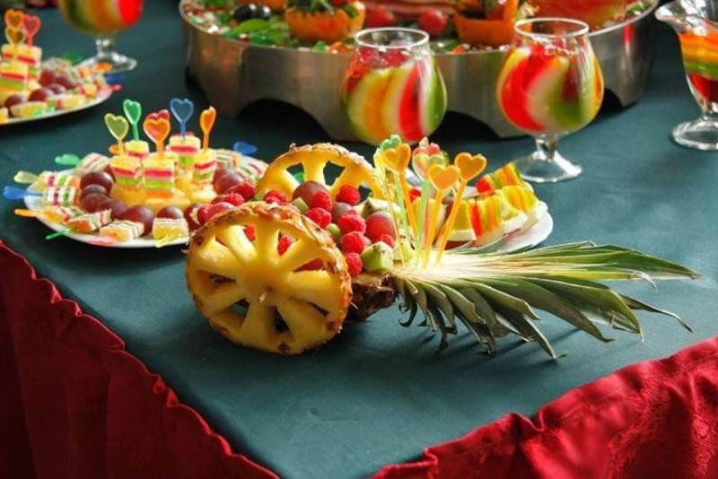 Нарезка на праздничный стол — идеи для оформления стола