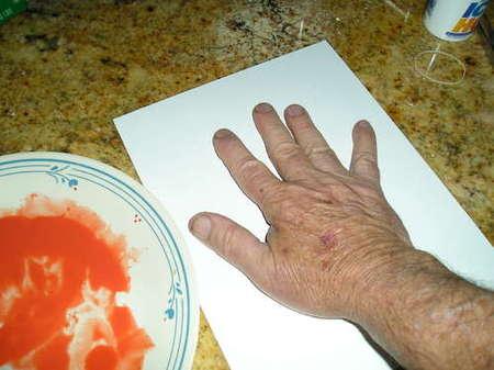 Отпечаток руки ребенка в фото