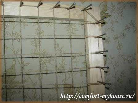 Плед из помпонов по необычной технологии на луме в фото