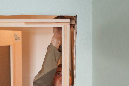 Пошаговая инструкция по установке межкомнатных дверей своими руками в фото