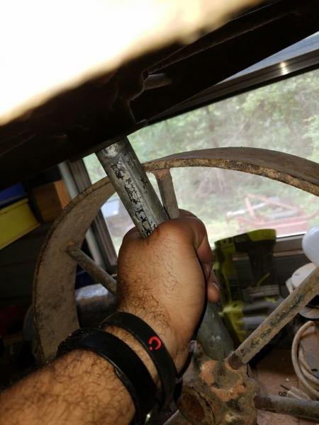 Журнальный столик из колес своими руками в фото