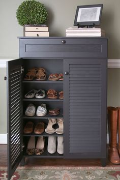 Компактная обувница