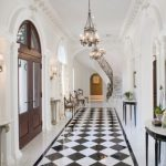 16 Irresistible Traditional Entry Hall Designs You Can Get Ideas From 4 630x419 1
