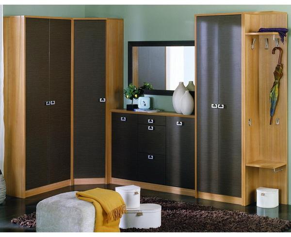 Модульный угловой шкаф для маленькой прихожей