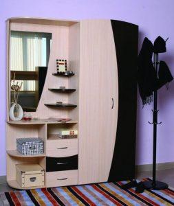 dizajn-prixozhej-v-malogabaritnoj-kvartire-11-654x775