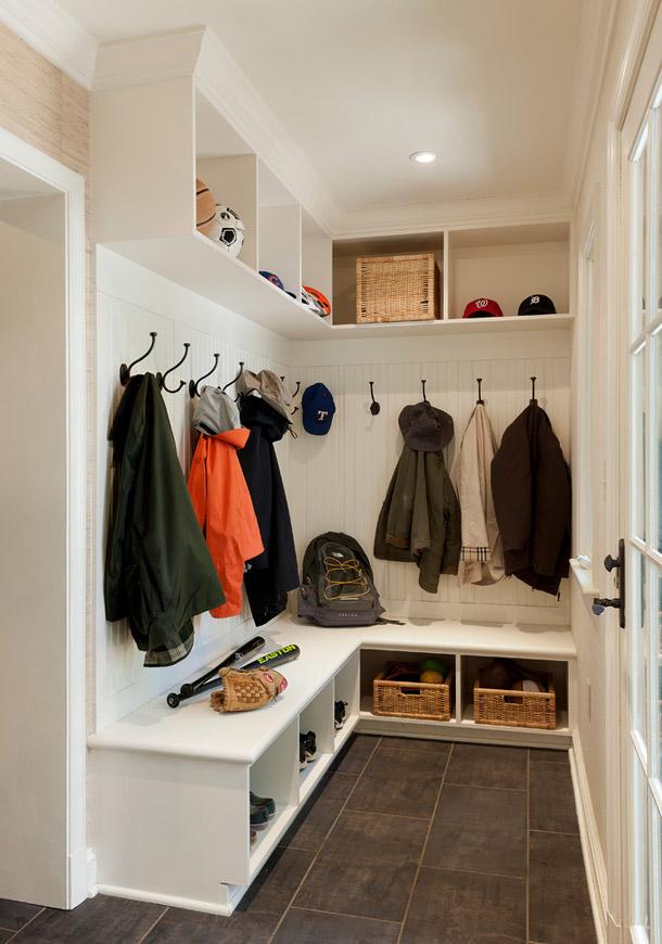 Дизайн мебели в прихожей в частном доме