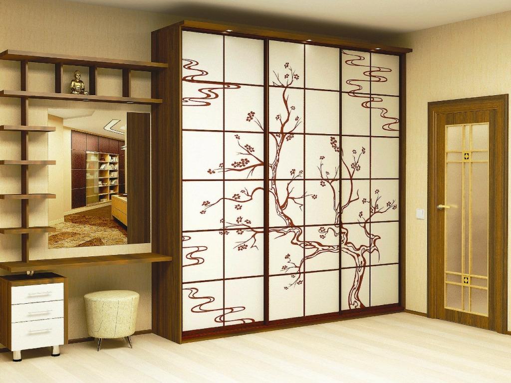 Дизайн встроенного шкафа в прихожей 184