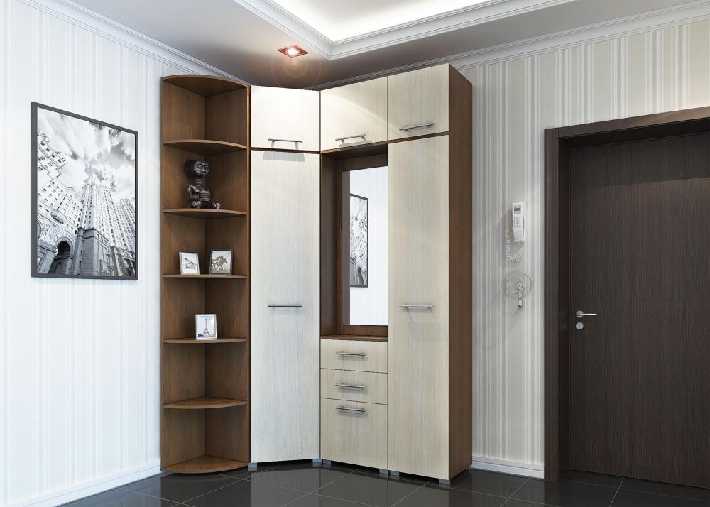 Светлый угловой шкаф и стены в маленькой прихожей