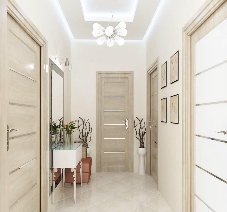 Светлый потолок для маленькой прихожей