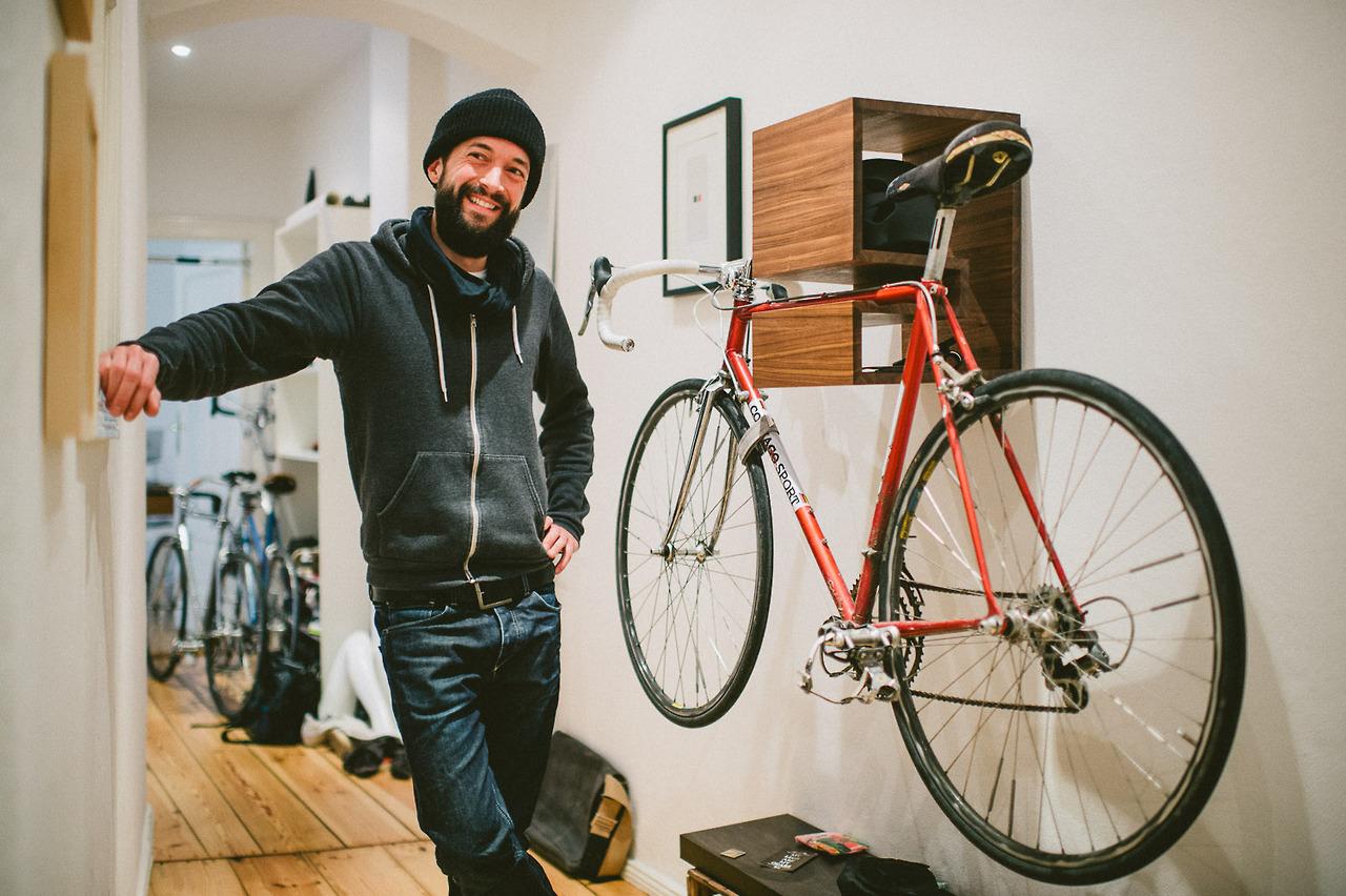 Хранение велосипеда в малогабаритной прихожей