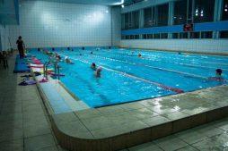 znakomtes sportivnye bassejny