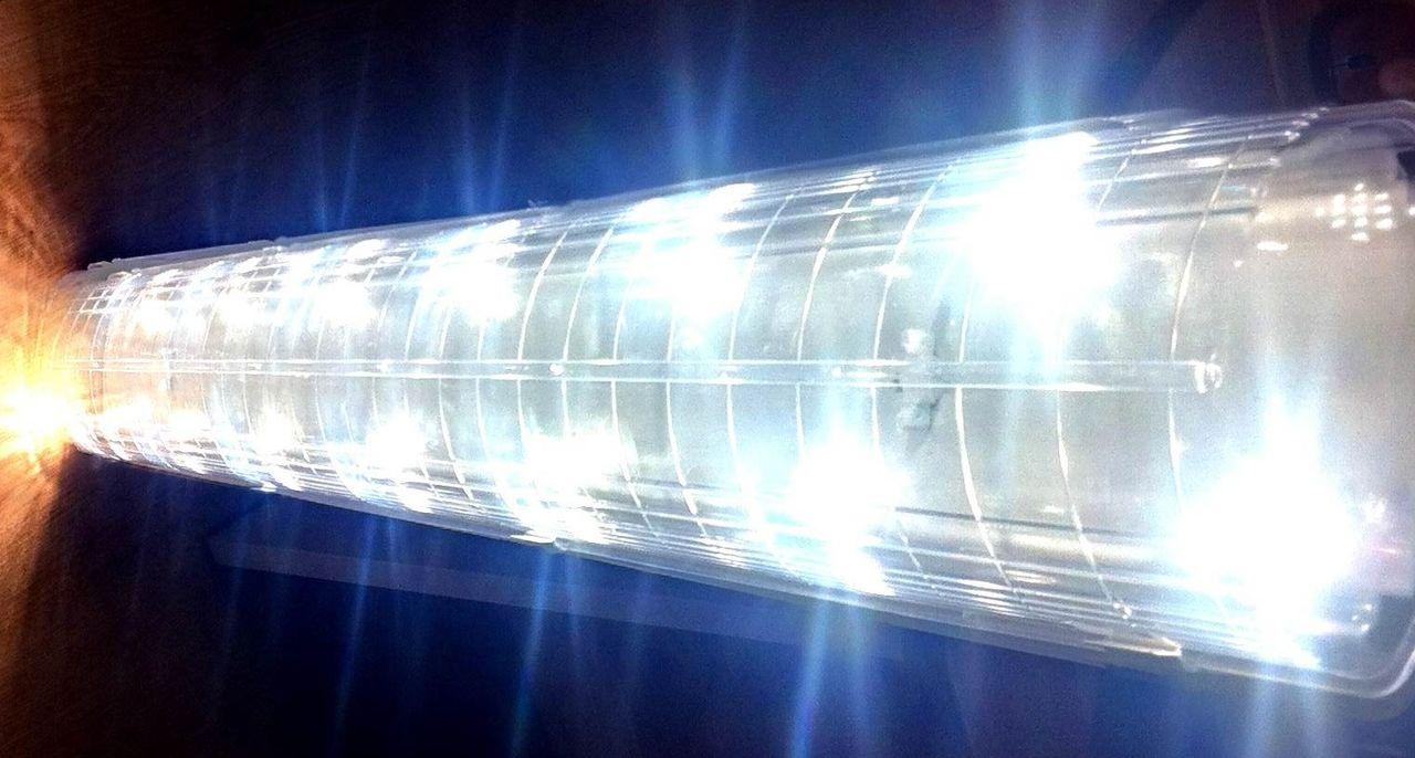Светодиодный_промышленный_светильник_Qeeps_001_СДП_(ЛСП)_с_прозрачным_рассеивателем