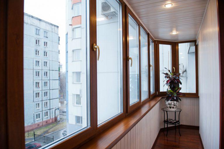 Современная, качественная и профессиональная отделка балкона.