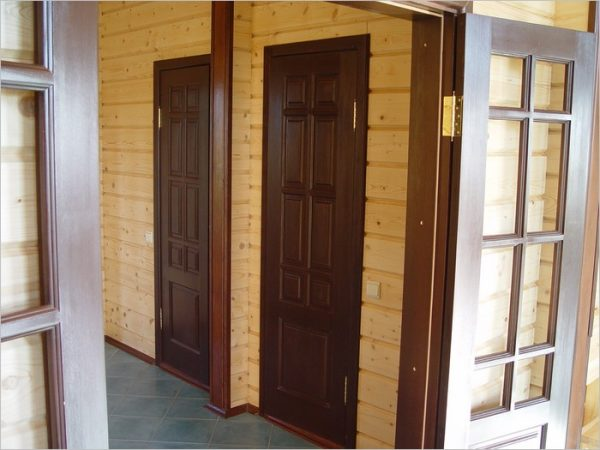 mezhkomnatnye-dveri-dlya-dachi