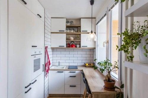 small kitchen e1587672672523